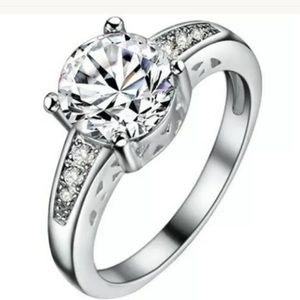 Jewelry - silver plated White Sapphire Crystal Ring